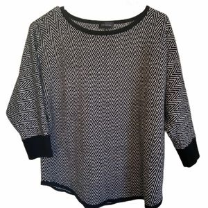 The Limited Black and White Sweater Shirt Size M